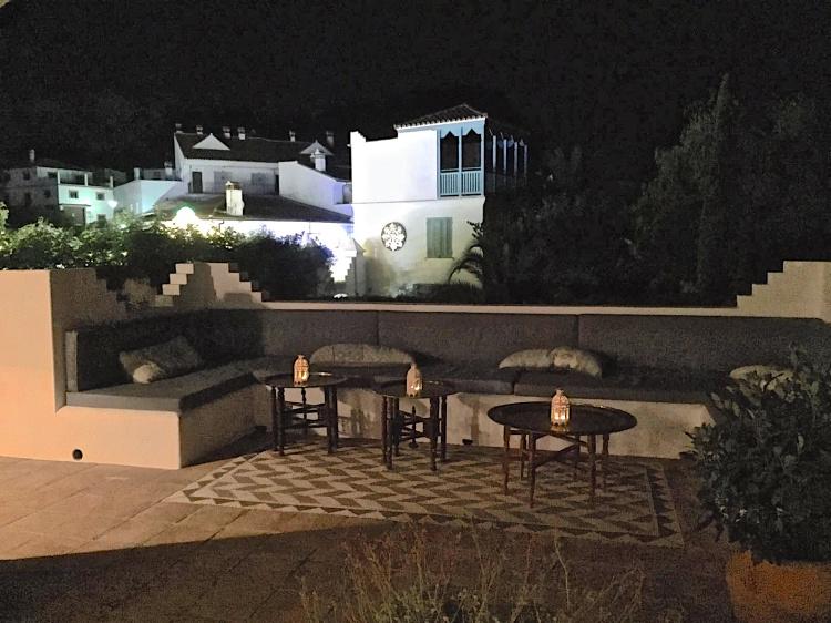 Casa Mosaica at night